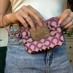 purple coach wristlet 💜
